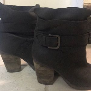 Steven ankle boots